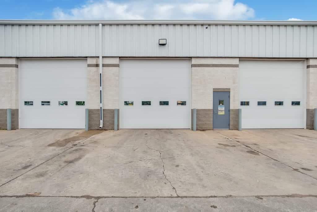 multople loading dock doors aurora il